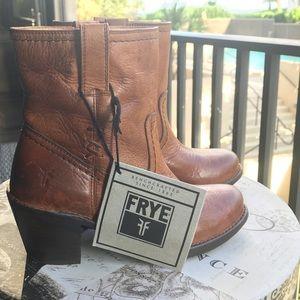 Frye Carmen X Stitch Short D Leather Boots NWT